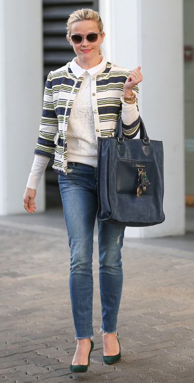 blue-med-skinny-jeans-white-sweater-blue-navy-jacket-lady-stripe-sun-pony-blue-bag-green-shoe-pumps-howtowear-style-fashion-spring-summer-reesewitherspoon-blonde-work.jpg