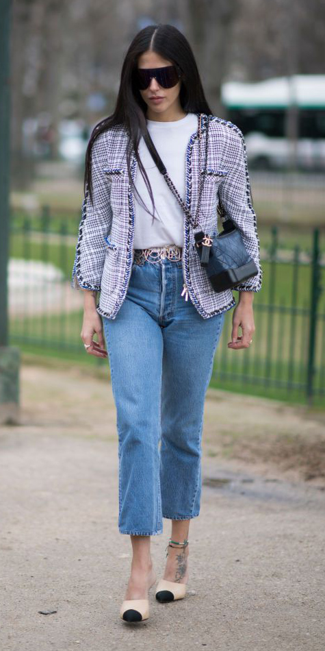 blue-med-crop-jeans-white-tee-belt-brun-sun-tan-shoe-pumps-white-jacket-lady-spring-summer-lunch.jpg
