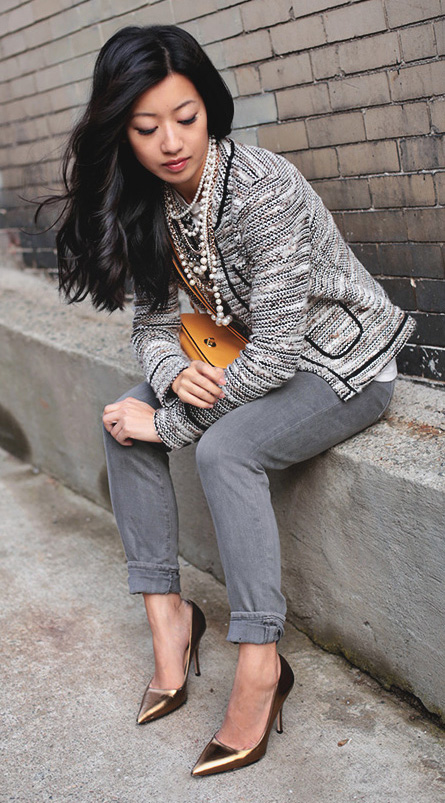 grayl-skinny-jeans-pearl-necklace-yellow-bag-white-jacket-lady-brun-fall-winter-work.jpg