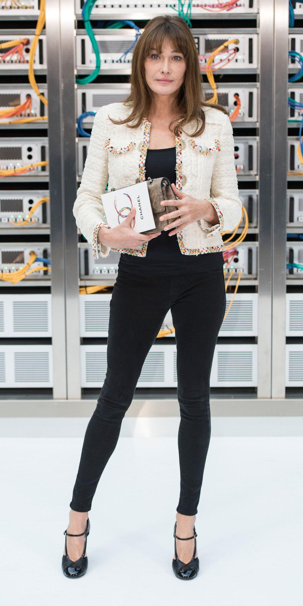 black-skinny-jeans-hairr-black-shoe-pumps-tweed-white-jacket-lady-fall-winter-dinner.jpg