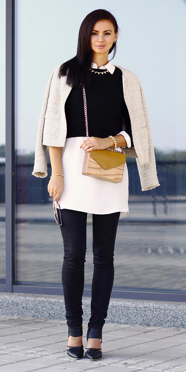 black-skinny-jeans-white-top-blouse-tan-bag-black-sweater-layer-brun-black-shoe-pumps-white-jacket-lady-fall-winter-lunch.jpg