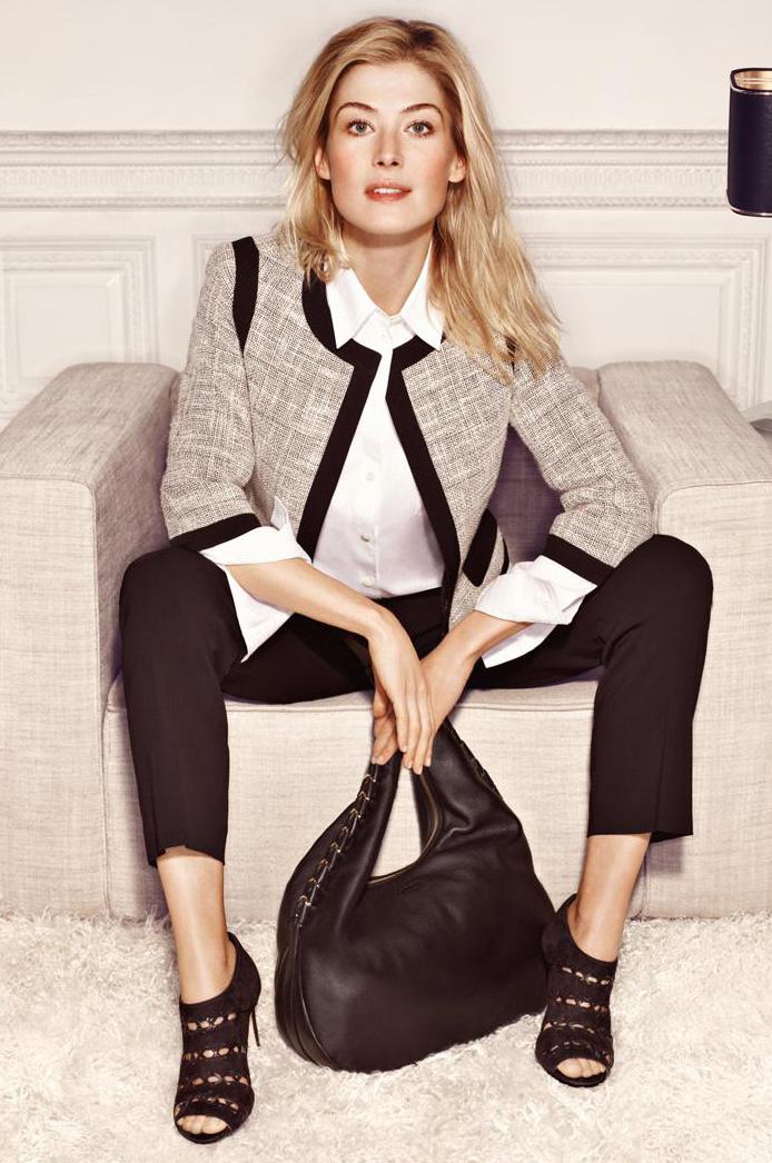 black-slim-pants-white-collared-shirt-black-bag-black-shoe-sandalh-howtowear-grayl-jacket-lady-tweed-spring-summer-blonde-work.jpg