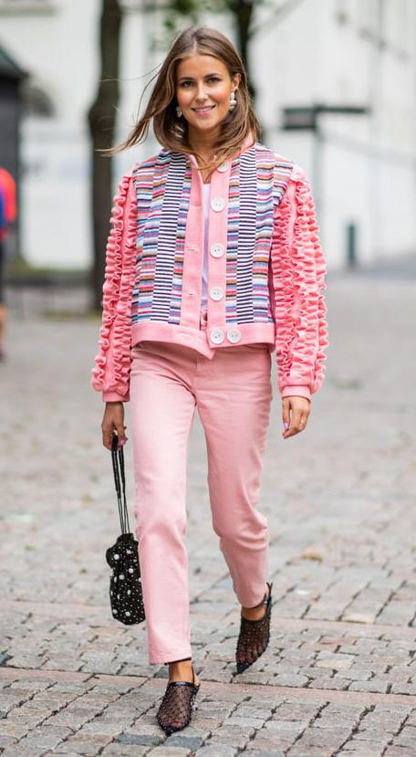 a9208e5a5f5 pink-light-skinny-jeans-pink-light-cardigan-blonde-