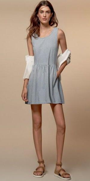 016aa68cd2c blue-light-dress-a-white-cardigan-tan-shoe-