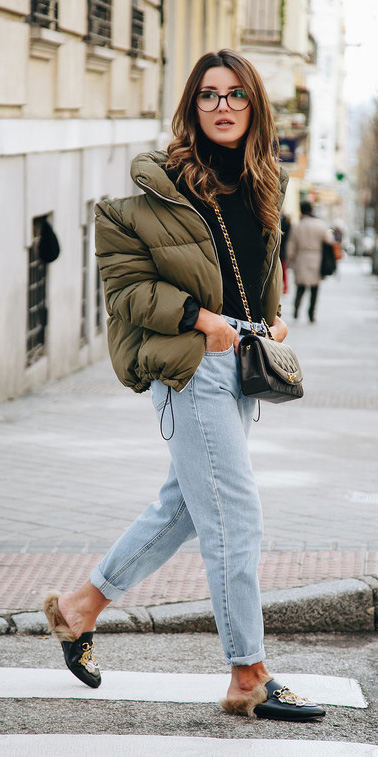 blue-light-boyfriend-jeans-black-sweater-turtleneck-black-bag-black-shoe-loafers-slides-green-olive-jacket-coat-puffer-fall-winter-hairr-lunch.jpg