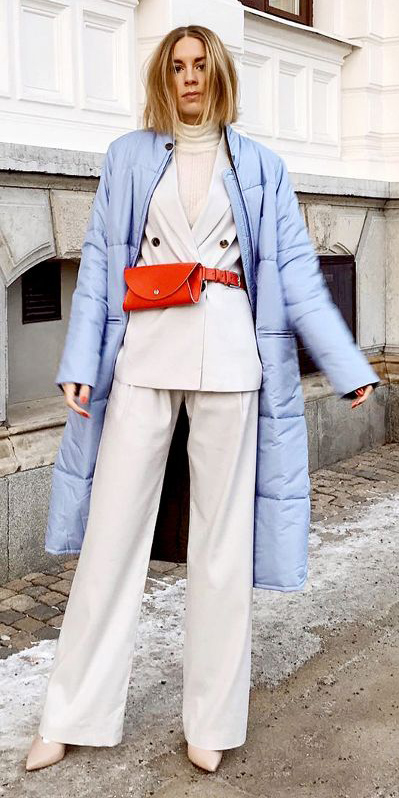 white-wideleg-pants-white-tee-turtleneck-red-bag-fannypack-suit-white-jacket-blazer-layer-blonde-white-shoe-pumps-blue-light-jacket-coat-puffer-fall-winter-lunch.jpg