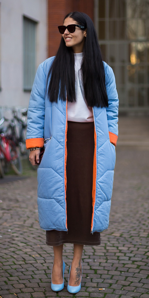 brown-midi-skirt-blue-shoe-pumps-sun-fashionweek-blue-light-jacket-coat-puffer-fall-winter-brun-lunch.jpg