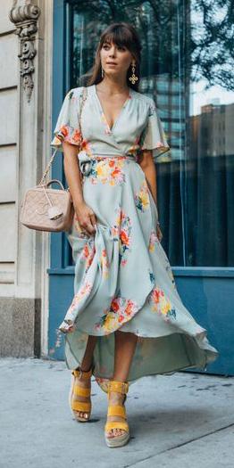 70386a42074f58 blue-light-dress-wrap-floral-print-tan-bag-