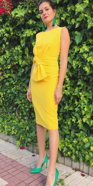 what-to-wear-for-a-summer-wedding-guest-outfit-yellow-dress-shift-bodycon-earrings-hairr-bun-green-shoe-pumps-dinner.jpg