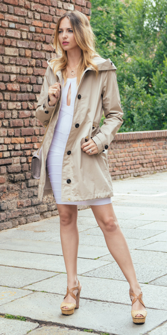 white-dress-bodycon-tan-jacket-coat-parka-blonde-tan-shoe-sandalw-spring-summer-lunch.jpg