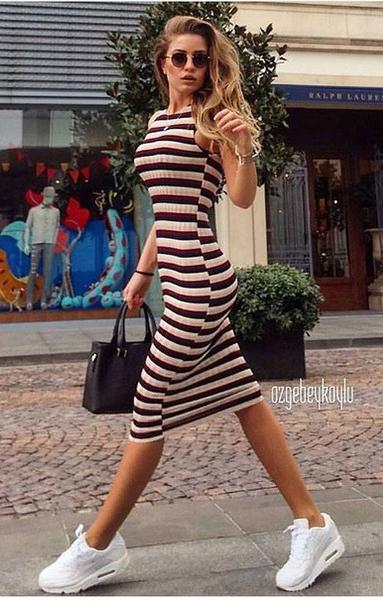 84aff9db3c black-dress-stripe-bodycon-white-shoe-sneakers-black-