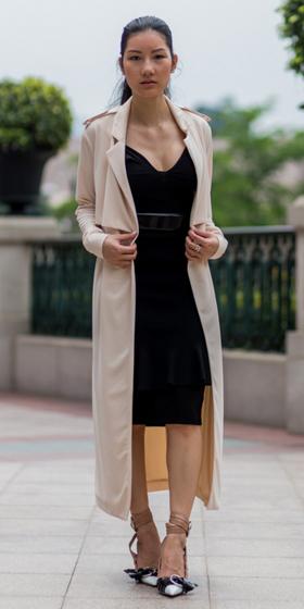 black-dress-tan-jacket-coat-trench-shoe-pumps-pony-bodycon-wear-style-fashion-spring-summer-brunette-dinner.jpg