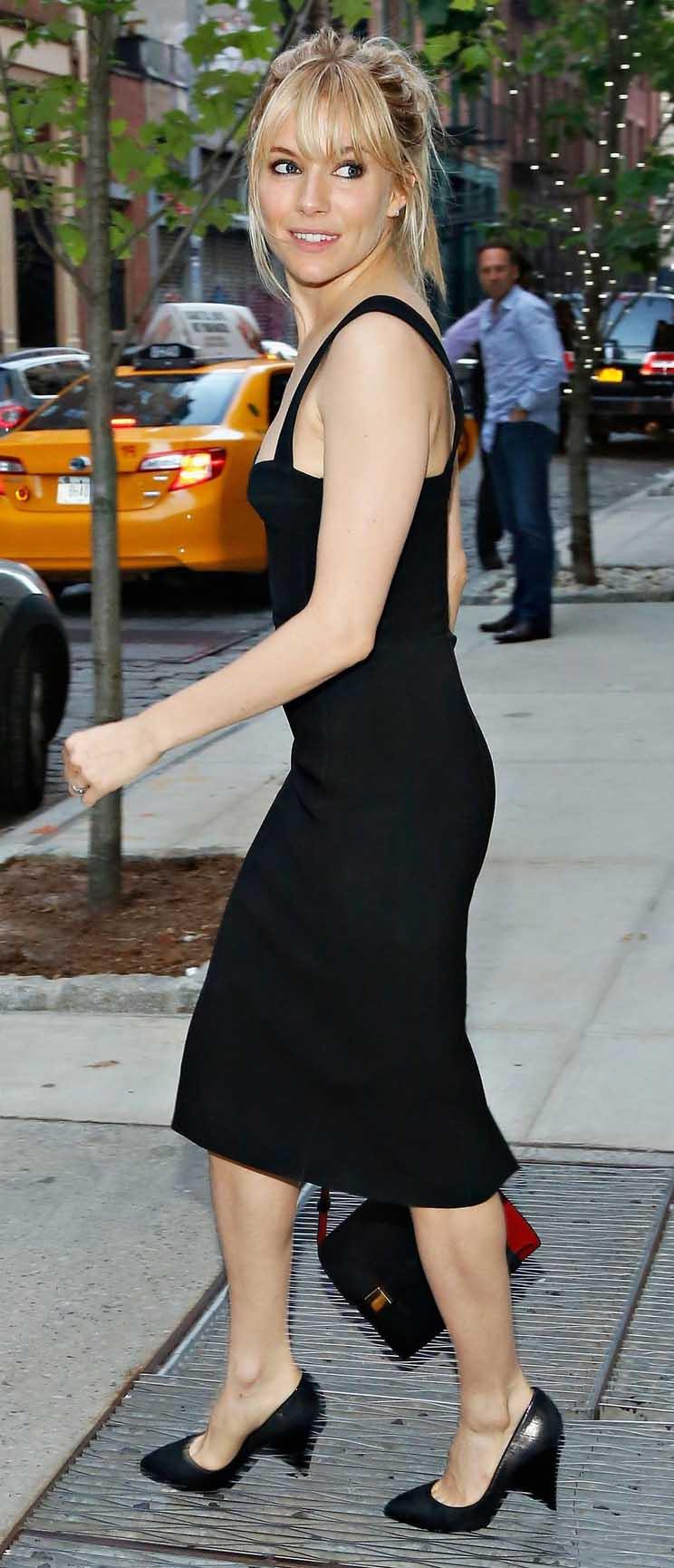 black-dress-bodycon-lbd-pony-siennamiller-spring-summer-blonde-black-shoe-pumps-black-bag-dinner.jpg