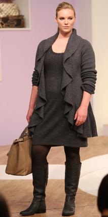 133846be92 grayd-dress-grayd-cardiganl-black-tights-gray-shoe-