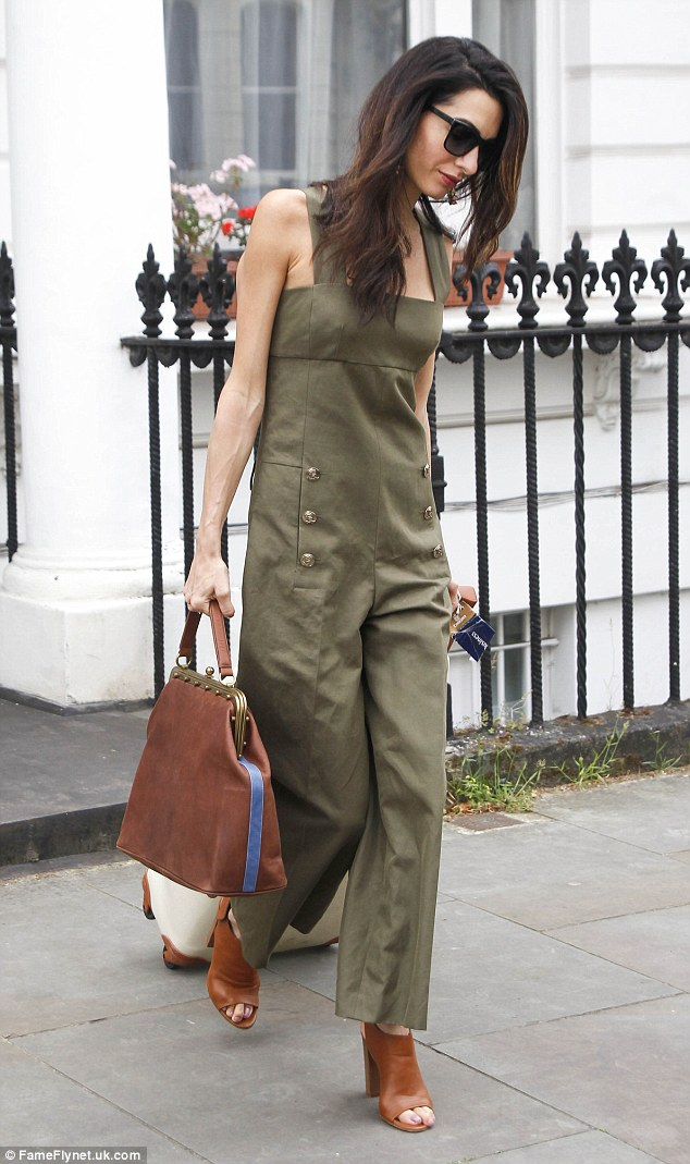 3cc5206f1cd green-olive-jumpsuit-cognac-bag-cognac-shoe-sandalh-