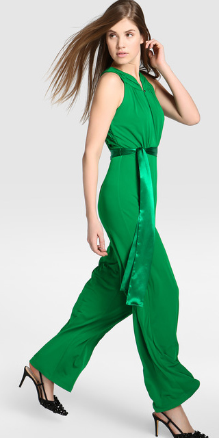 f2ded87df1b1 green-emerald-jumpsuit-black-shoe-pumps-slingbacks-howtowear-