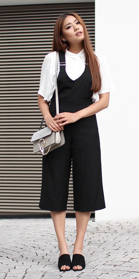 457c33e16118 black-jumpsuit-white-top-blouse-black-shoe-sandalh-