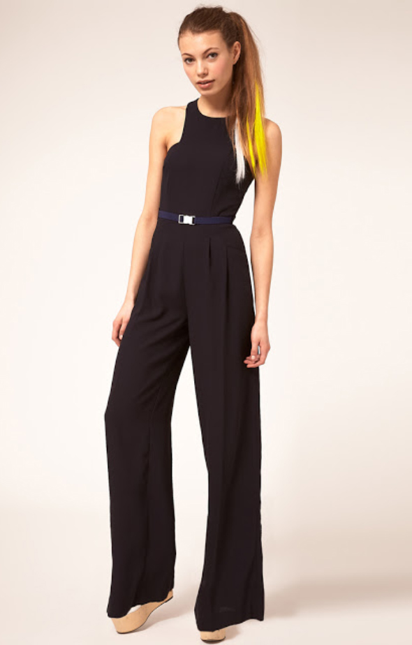 de74f572f1d black-jumpsuit-white-shoe-sandalw-pony-hairr-belt-