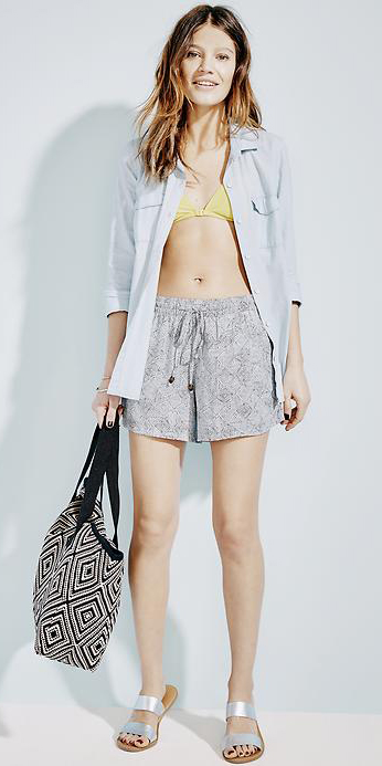 grayl-shorts-blue-light-collared-shirt-blue-bag-tote-gray-shoe-sandals-metallic-howtowear-fashion-style-outfit-spring-summer-hairr-weekend.jpg