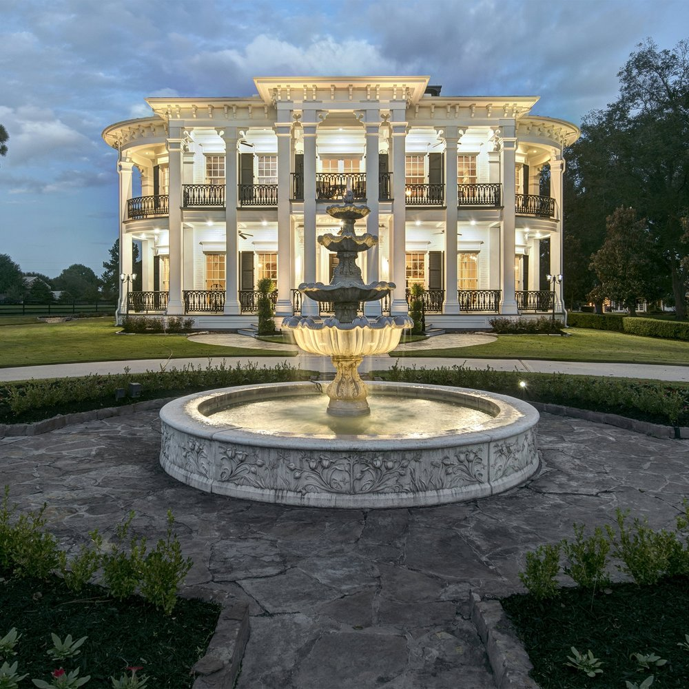 LOCATION, LOCATION, LOCATION  Published By:  The Wedding Buzz, Weekly News & Inspiration from Weddings In Houston