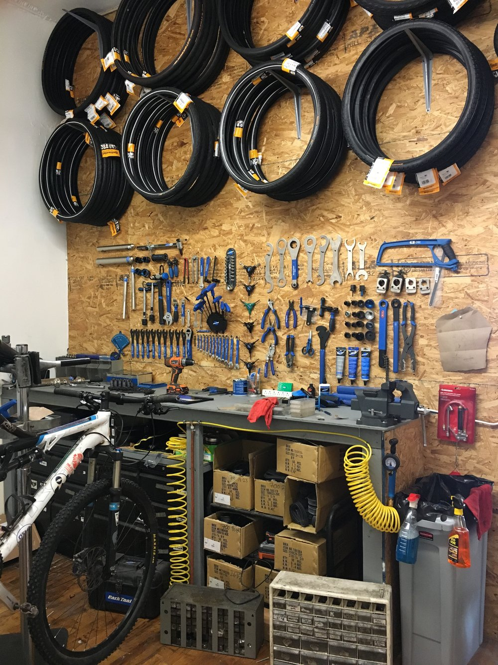 Sun and Air Williamsburg Brooklyn Bike shop maintenance bike repair
