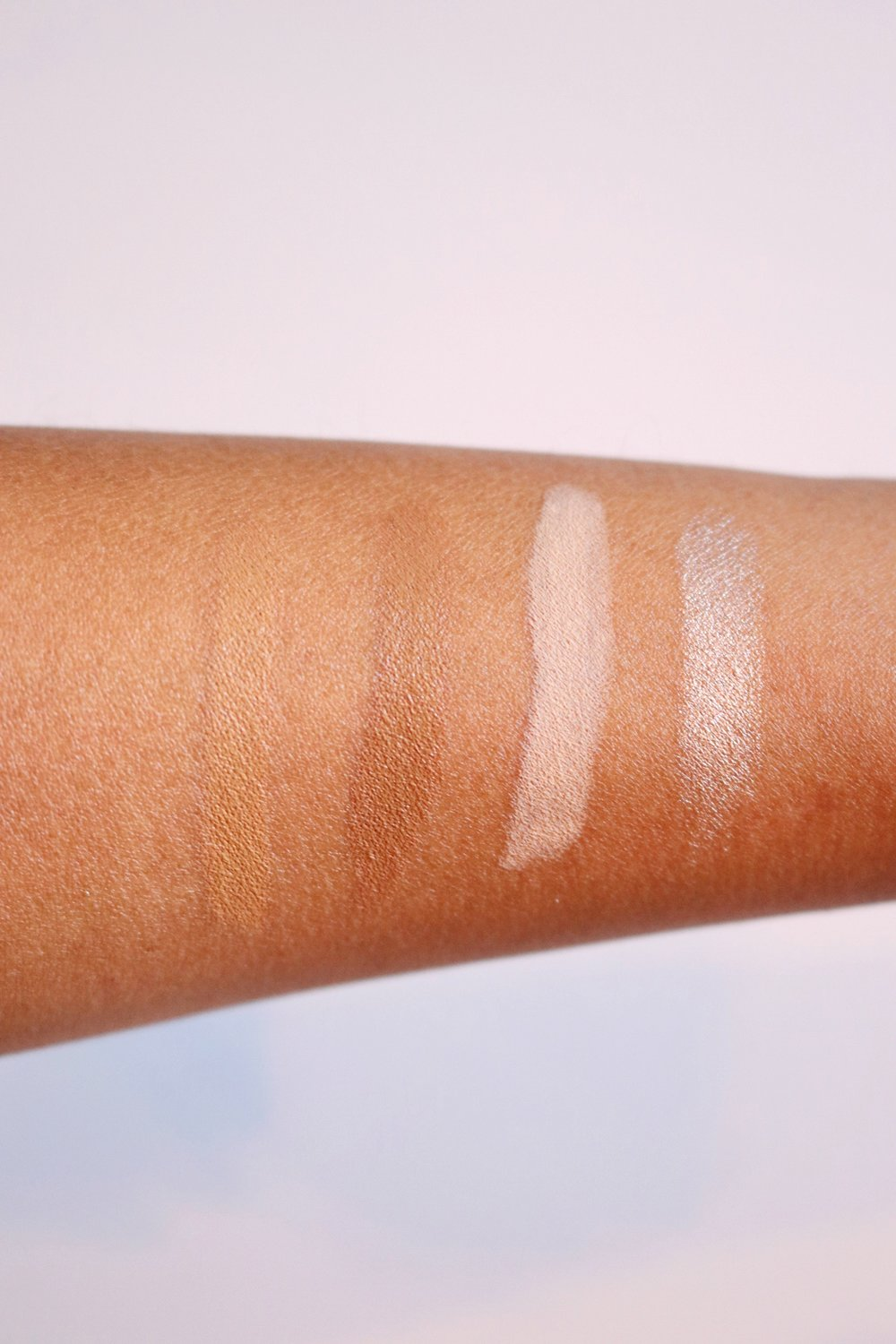 CRÈME CONTOUR AND HIGHLIGHT KIT MEDIUM -