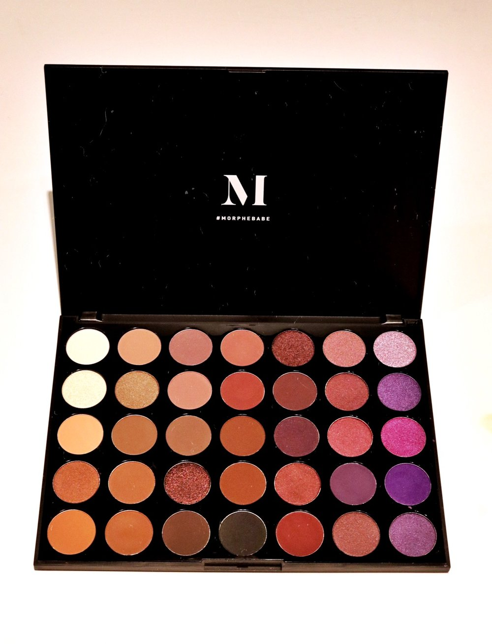 MORPHE 35P - 35 COLOR PLUM EYESHADOW PALETTE - TEXTURE: MATTEPIGMENTATION: 9BLENDABILITY: 10HONORABLE: CRUELTY FREE