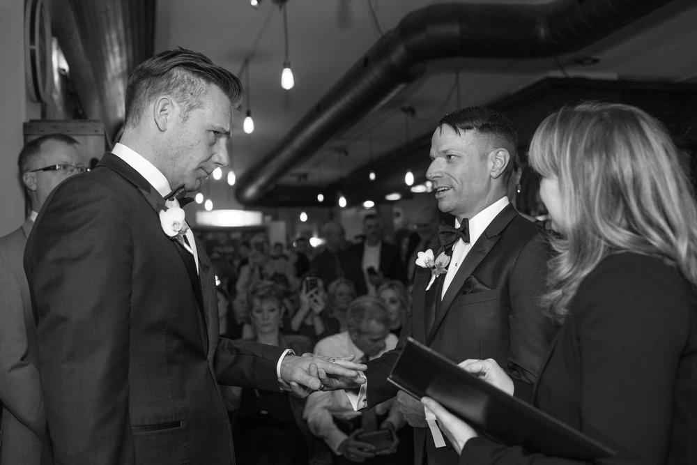 Cast & Crewe Photography // Wedding // Guelph, Ontario // Lori-Anne Crewe