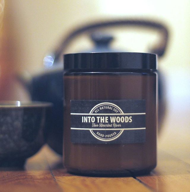 Vintage line is flying off the shelves. Grab em before they are out. #vintageline #candles #life #scent #clean #soycandles #intothewoods #soy #amber #jars #fire photo credit to @amyrmilne 👌