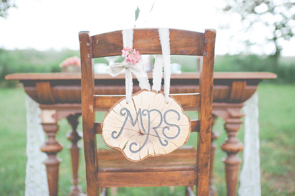 Dekoration Mrs Mr. Schild Stuhldeko Hochzeit