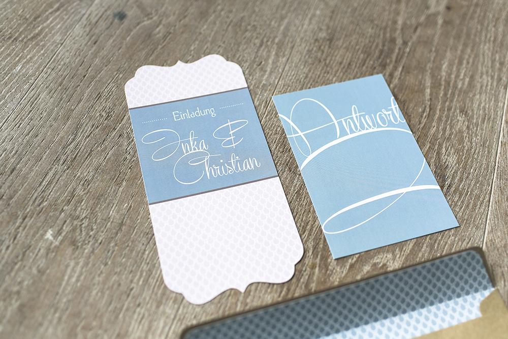 Hochzeitseinladung Vintage Blau rosa Handlettering