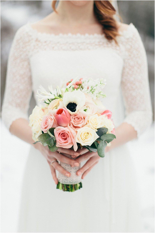 Brautstrauß Winter Anemone