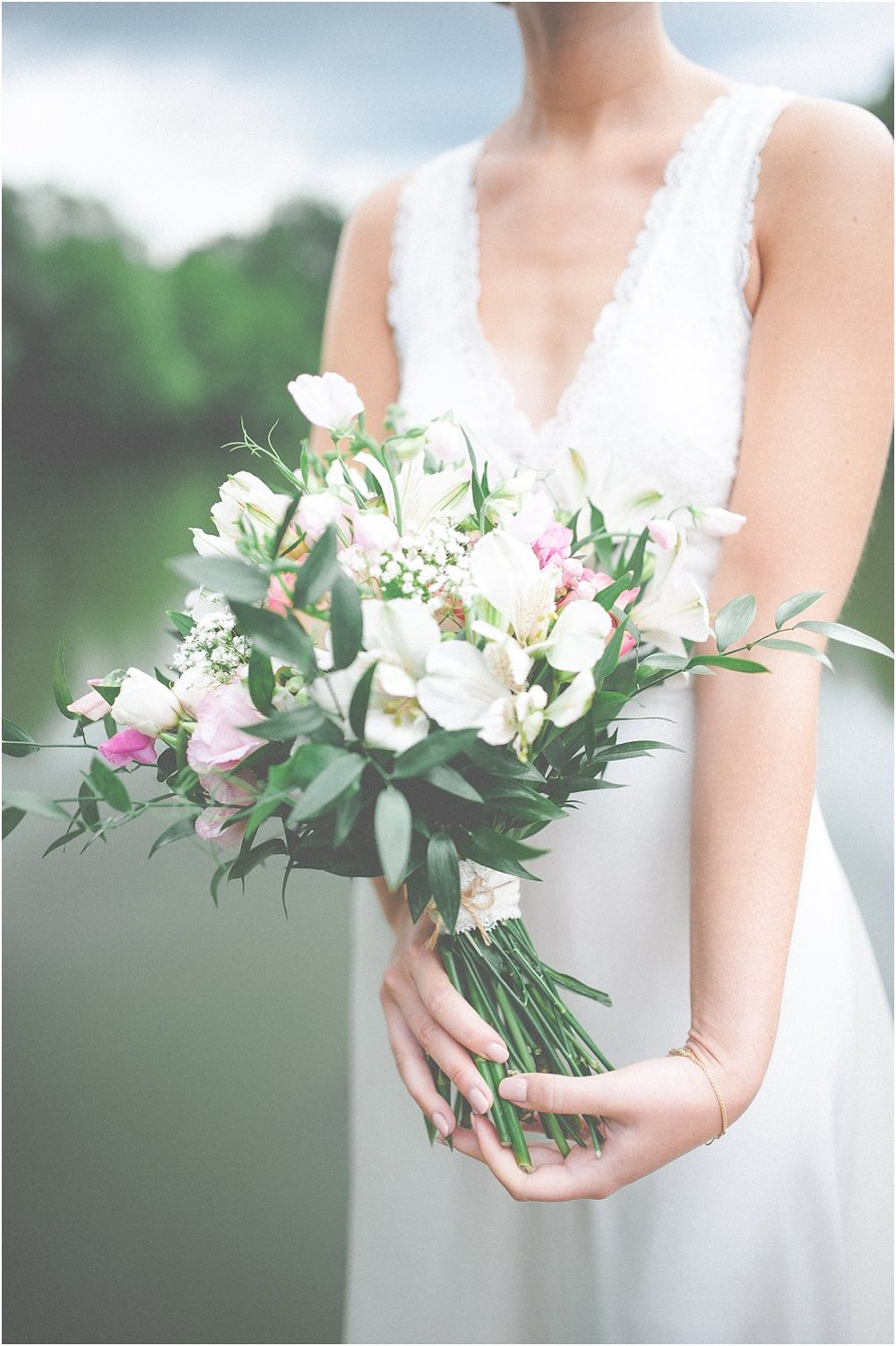 Brautstrauß locker gebunden