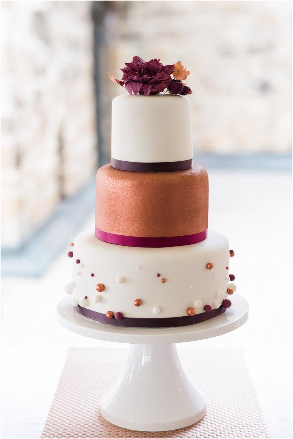 Hochzeitstorte Bordeaux Kupfer