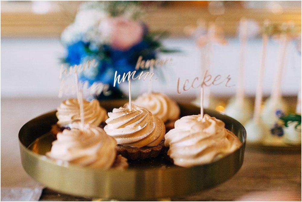Cupcake Topper Gold