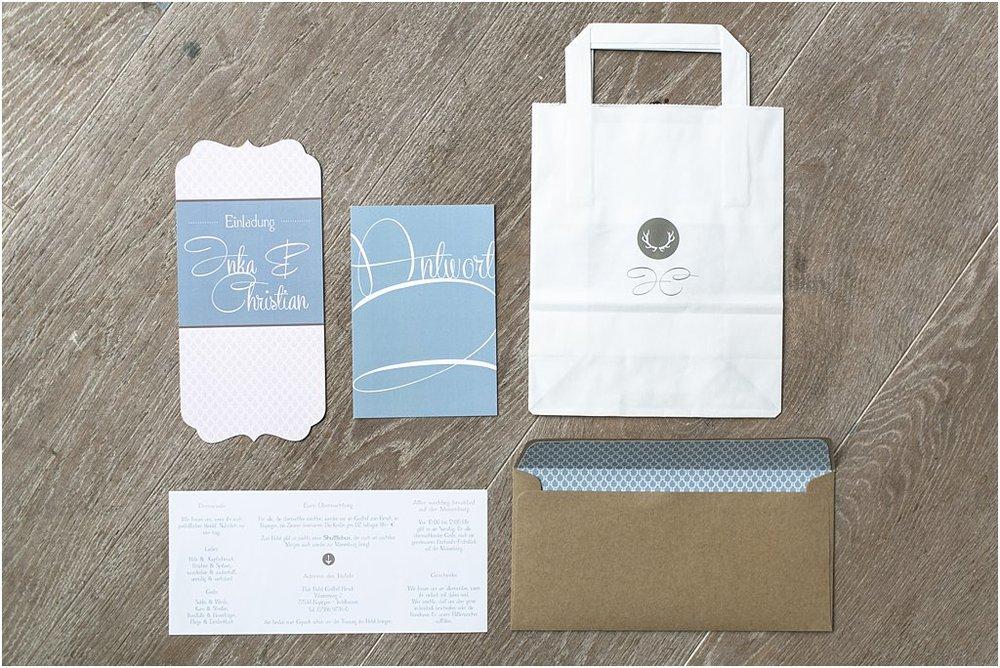 Einladung Vorderseite, Antwortkarte, Papiertasche für Candybar, Infoblatt und Briefumschlag mit Liner