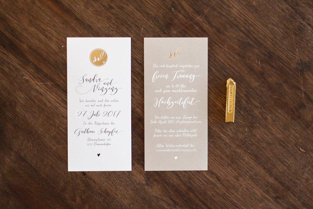 Einladung, zwei Karten einseitig bedruckt, mit Golveredelung