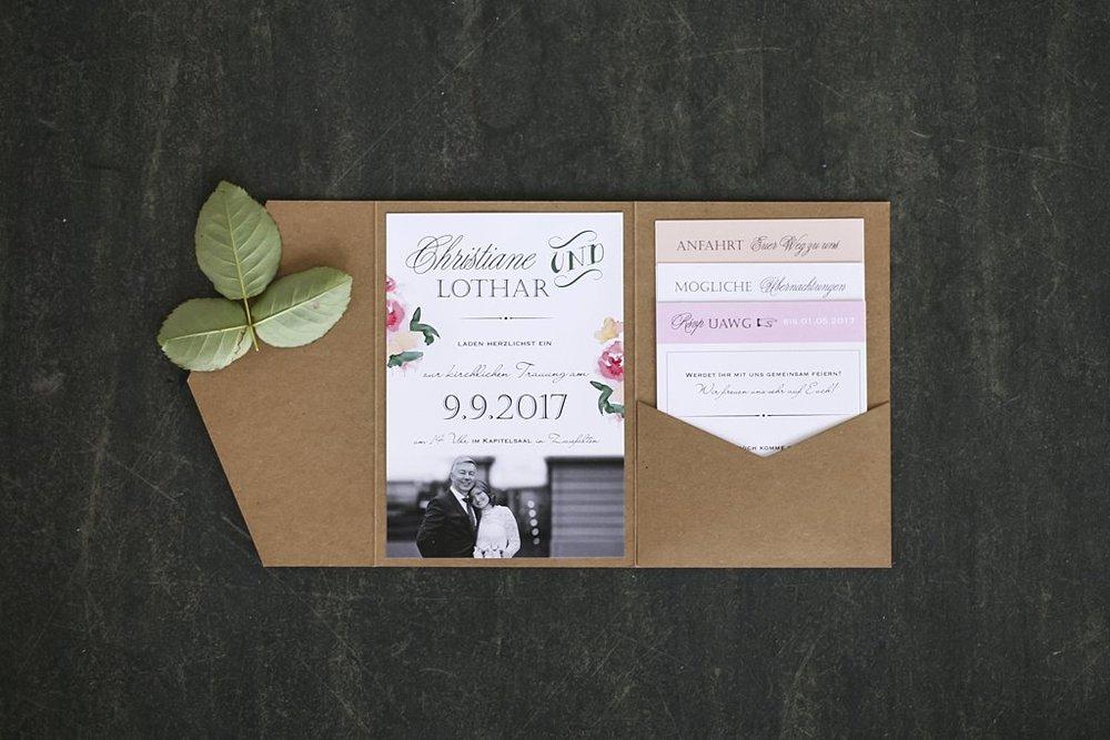 Pocketeinladung offen, mit drei Einsteckkarten und Einladungsschreiben