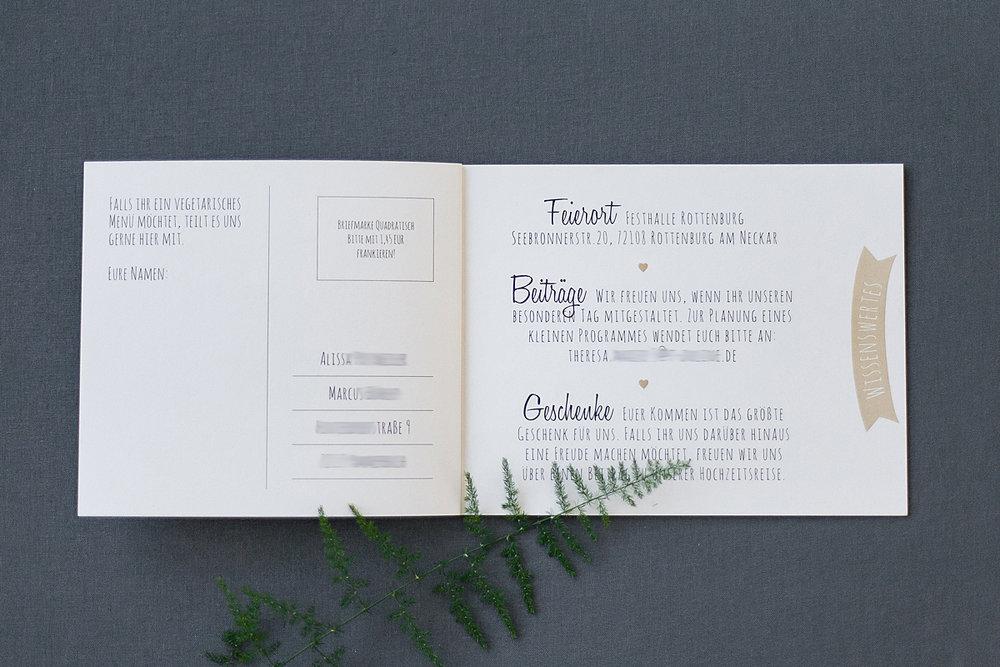 Booklet offen, Rückseite Antwortkarte und Infos