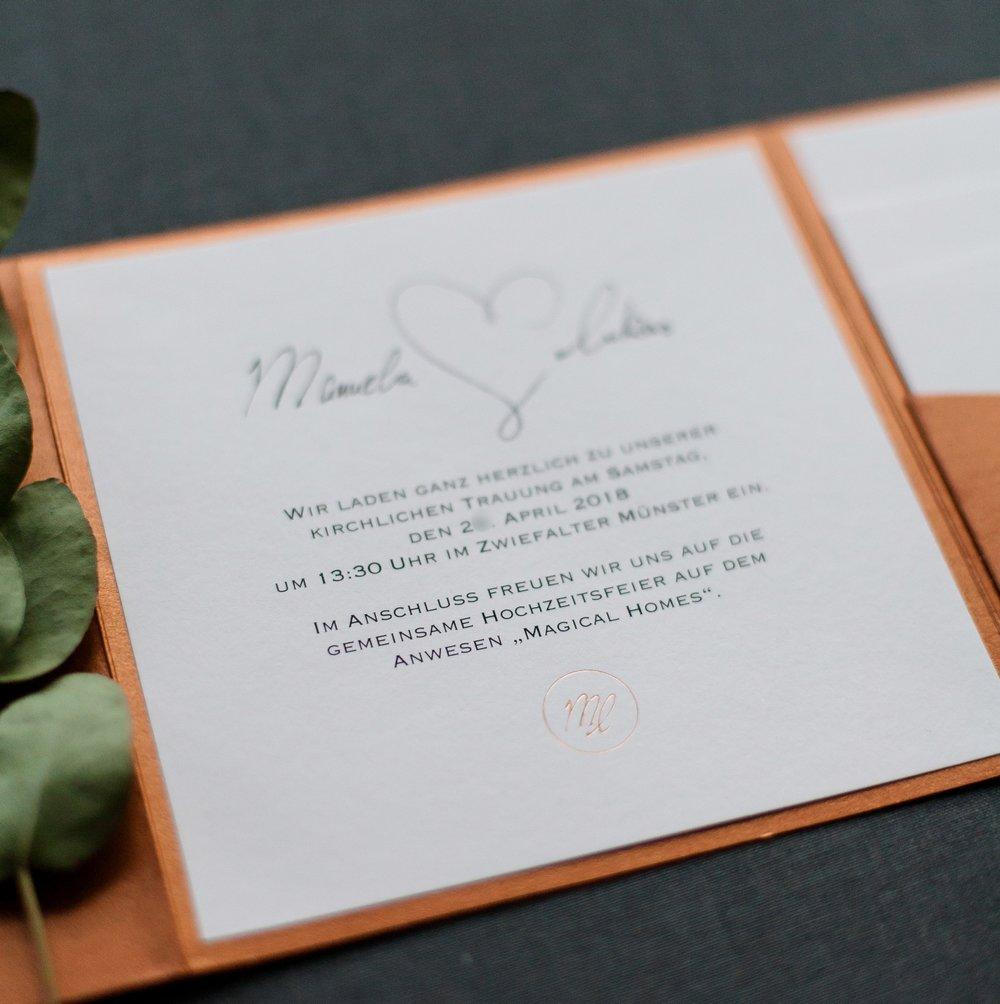 Einladungsschreiben mit Paarlogo, Pocketfold Einladung quadratisch