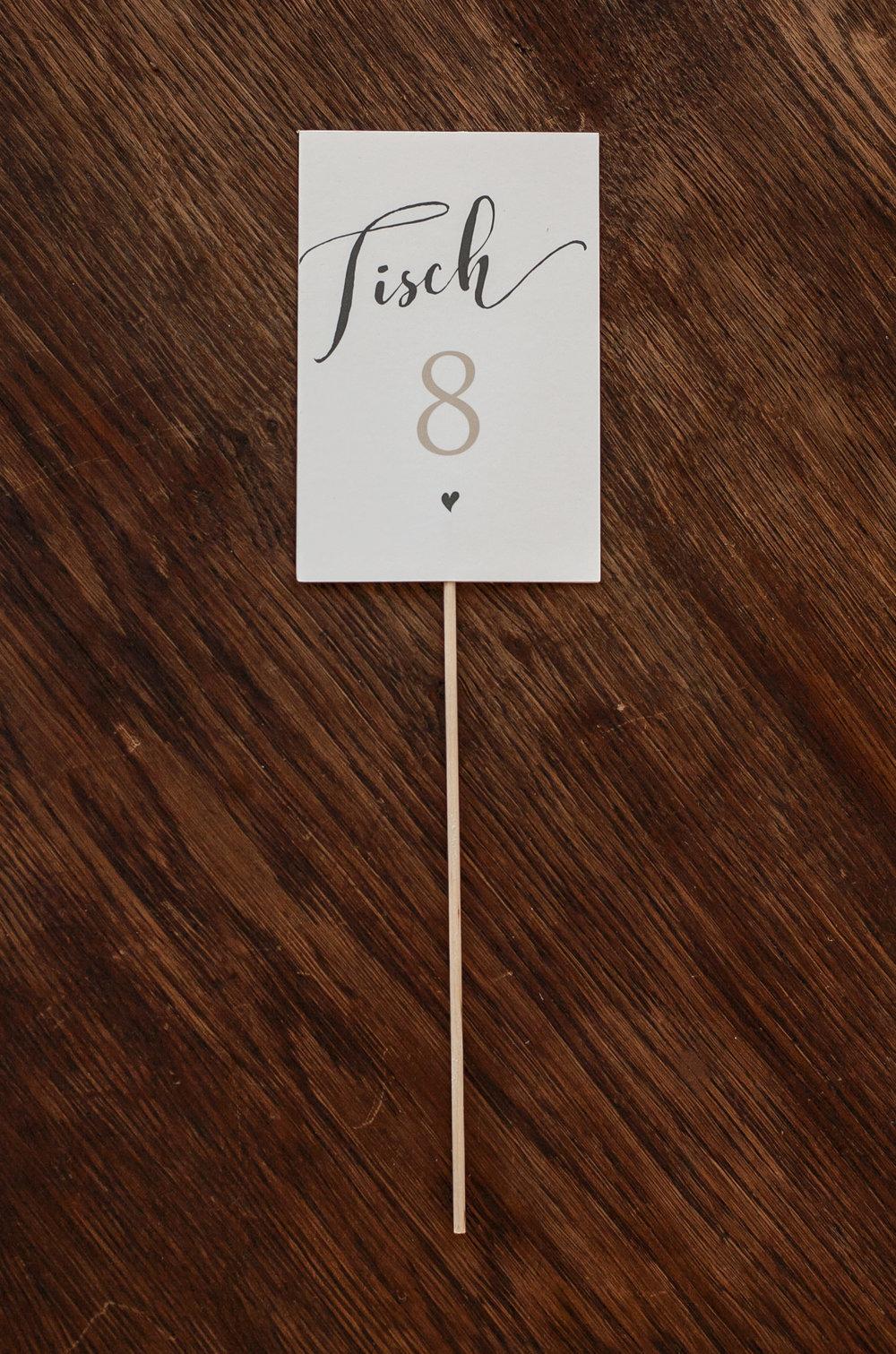 Tischnummer mit Holzspieß zum Stecken