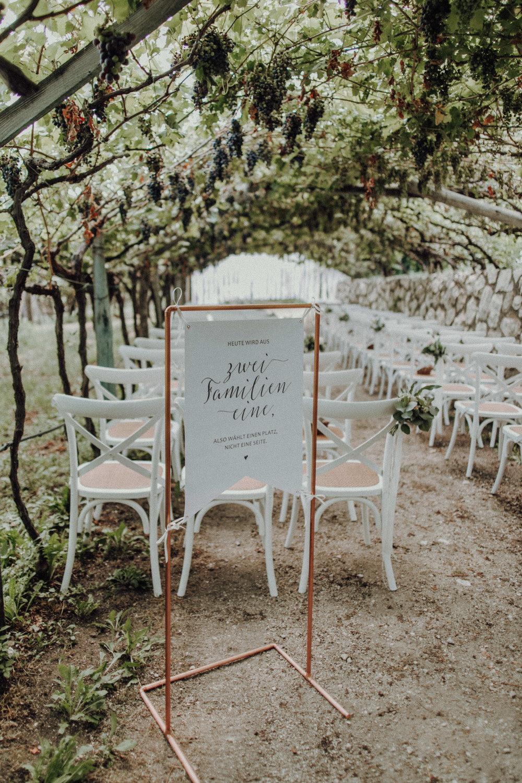 Trauung Hochzeit Italien Schild Weinberge