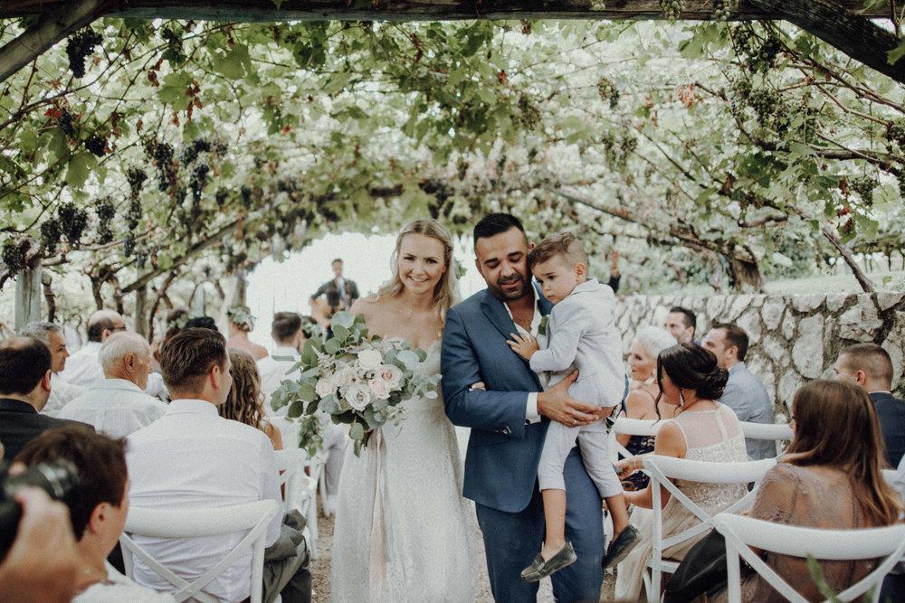 Trauung Weinberge Italienhochzeit Brautpaar 2018