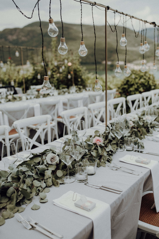 Tischdekoration Glühbirnen Italienhochzeit Bohostyle Industrial Design Eukalyptus