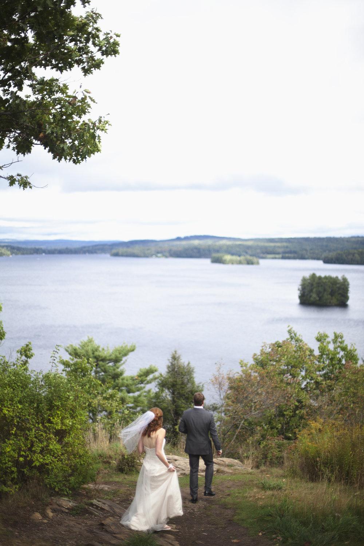 RosewoodWeddingPhotos-KarinDaren-MuskokaWedding-Cottage-CottageWedding-Moody-LionsLookout-Newlywed-LakeMuskoka-AdventureCouple