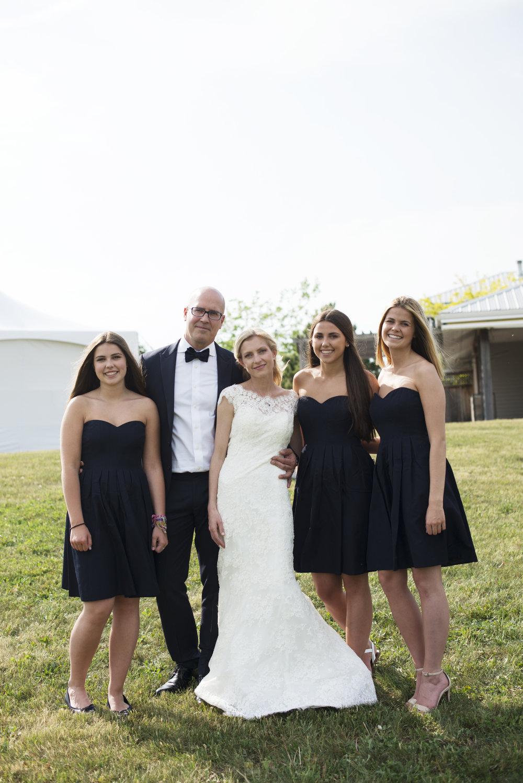 RosewoodWeddingPhotos-CatherineKelly-HuffEstates-FamilyPhoto-WeddingParty-PEC-PrinceEdwardCountyWedding