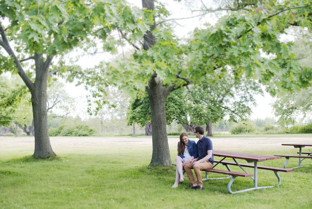 RosewoodWeddingPhotos-RachelChris-TorontoIsland-HanlansPoint-Picnic-Casusal-Engagement-EngagedCouple-TorontoEngagement