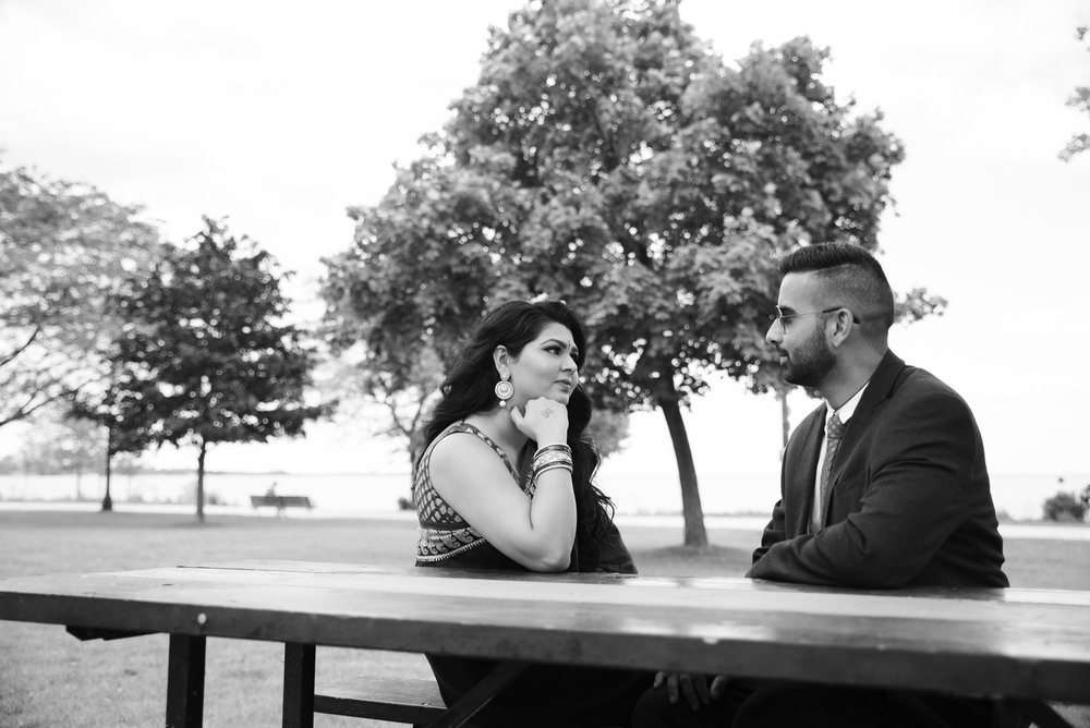 RosewoodWeddingPhotos-HumberBayArchBridge-Engagement-TorontoEngagement-HinduEngagement-IndianCouple