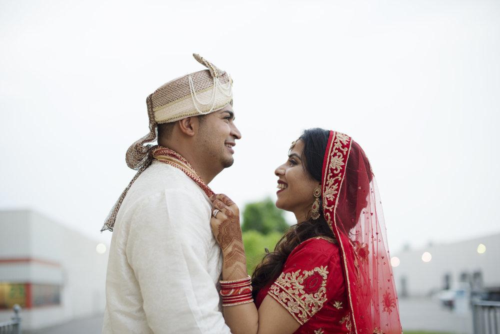 RosewoodWeddingPhotos-TorontoWeddingPhotographer-WeddingPhotography-HinduCeremony-HinduWedding-SouthAsianWedding-MarkhamConventionCentre