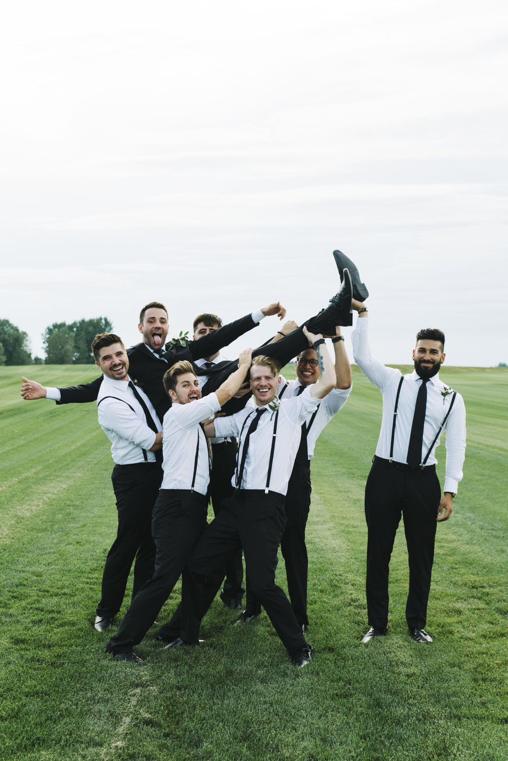 RosewoodWeddingPhotos-LondonWedding-KylieAlex-1435-SelfishThings-BohoFarmWedding-Groomsmen